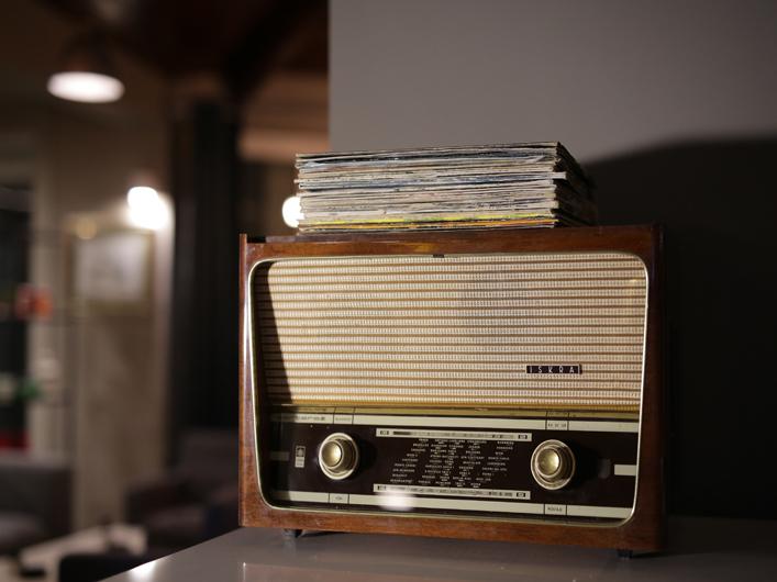 old radio Iskra Barrel